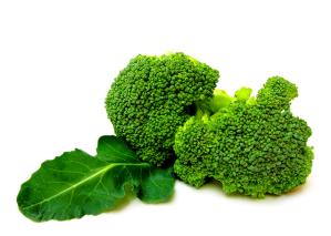 O cálcio presente no brócolis é melhor absorvido pelo organismo do que o cálcio dos laticínios