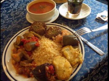 O prato vegano do árabe Mido é bem farto